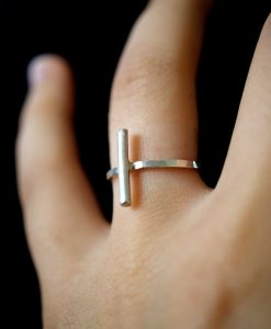 Linear Bar ring in Silver