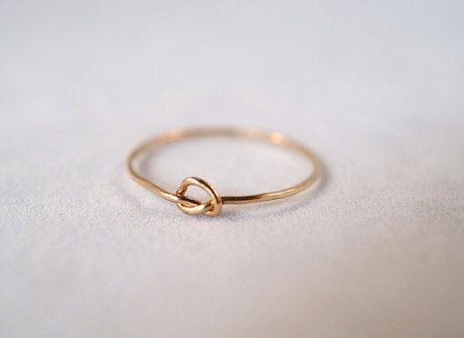 Awesome Gold Ring with Circle Jewellrys Website